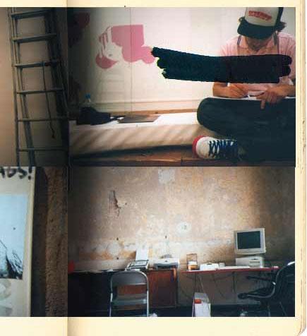 Dos fotografías, una de un chico escribiendo sentado en una cama, con la cara tachada y otra de una habitación con una mesa y un ordenador